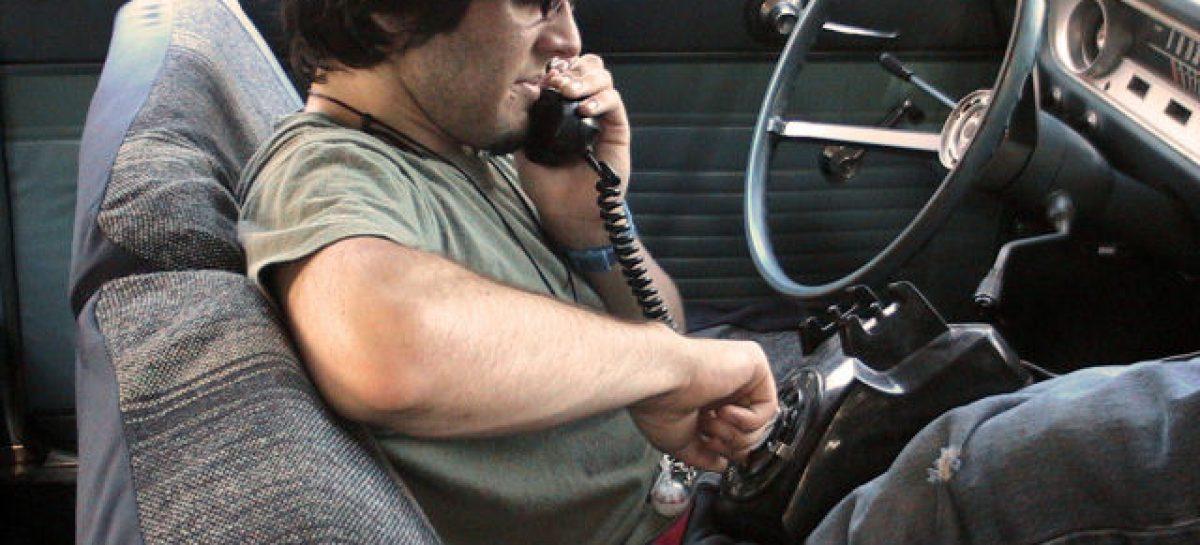 По телефону за рулем говорят 51% водителей