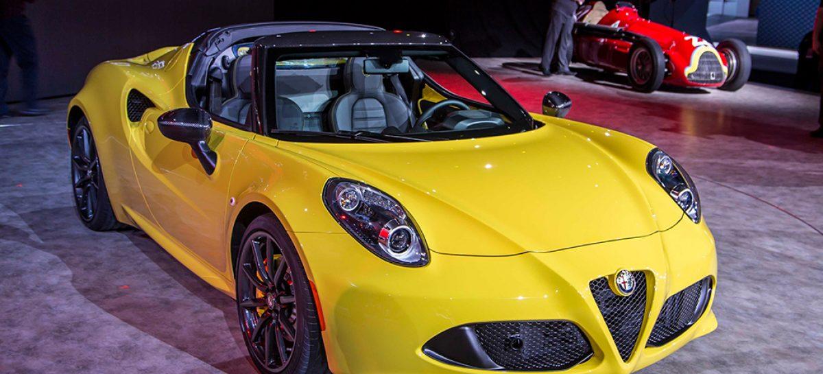 Самый сильный, шикарный и красивый стенд в Детройте — конечно, у Alfa Romeo