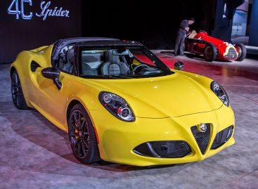 Самый сильный, шикарный и красивый стенд в Детройте – конечно, у Alfa Romeo