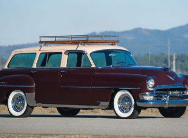 Послевоенный универсал Chrysler New Yorker Town and Country 1954