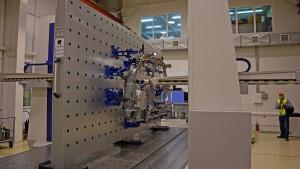 Одна из операций по проверке качества на заводе Sollers
