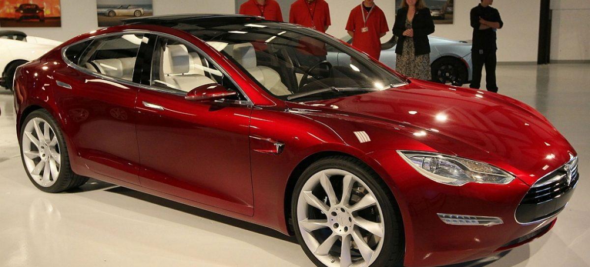 Покупать Tesla смысл есть, но заправок пока нет
