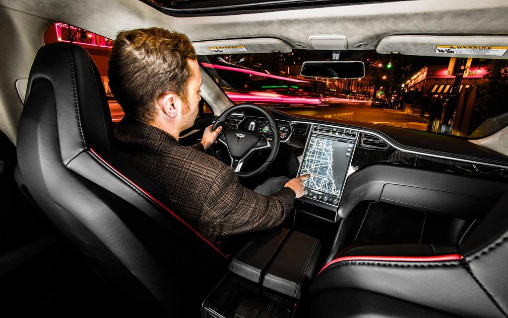 Tesla Model S, интерьер