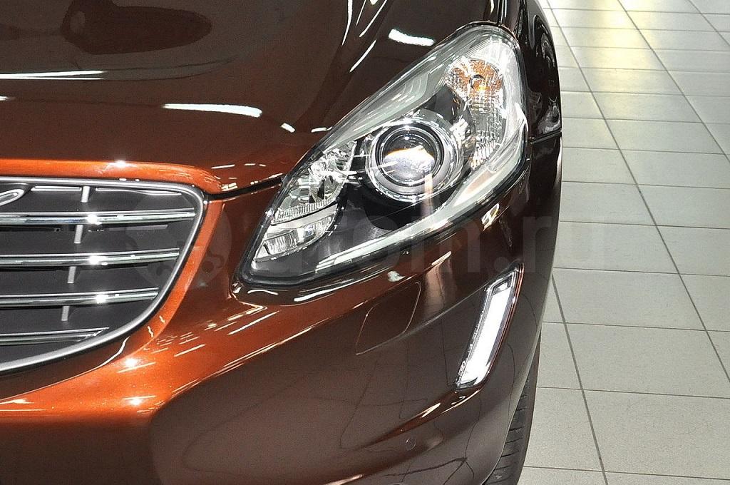 Volvo. Биксеноновые фары
