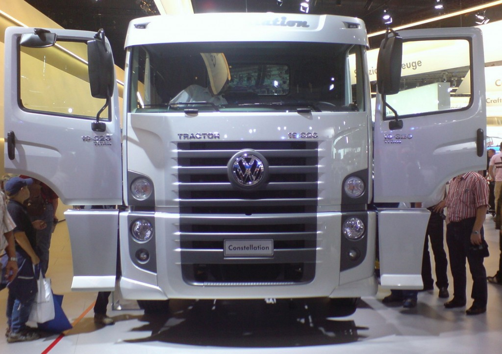 Volkswagen Constellation