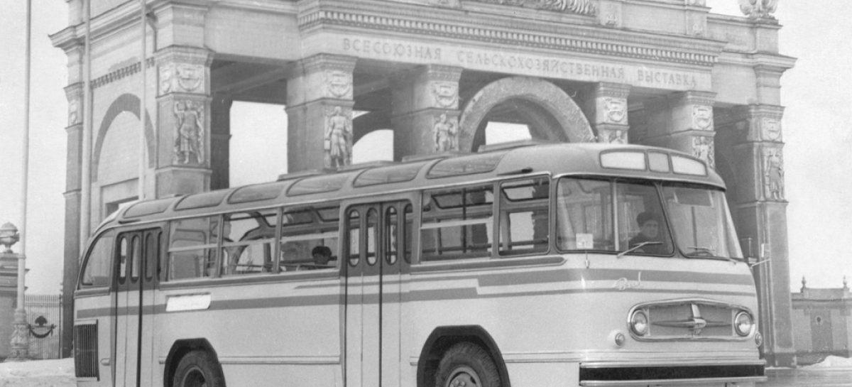 Львовские автобусы ЛАЗ получили свой облик от ЗиЛ-159