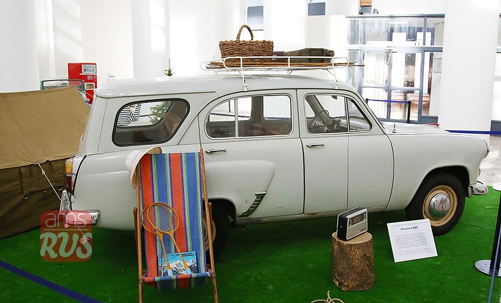 Москвич-423 с кузовом универсал