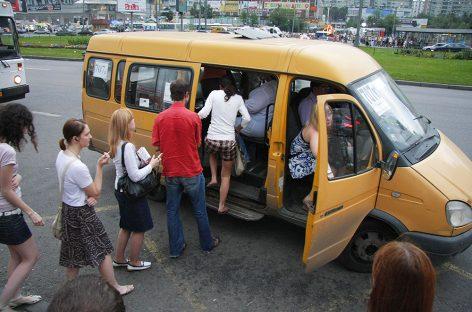Дума разрешает гражданам Киргизии работать в РФ водителями на основании национальных прав