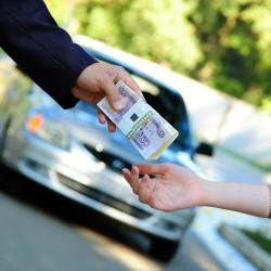 Почти 4,4 трлн рублей потратили россияне на покупку авто в 2017 году