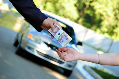 На супругов завели уголовное дело за продажу автомобиля, с которым было запрещено совершать сделки