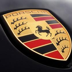 Porsche останавливает производство из-за коронавируса