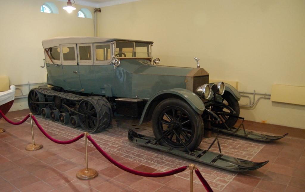 Rolls-Royce Ленина лыжи
