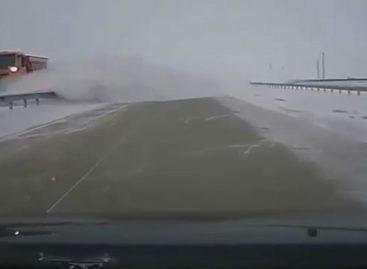 Премия в номинации Дураки на дороге присуждается казахским снегоуборщикам