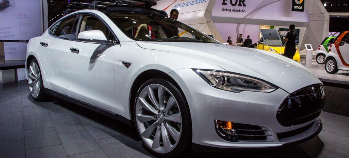 Машины Tesla – первые по лояльности пользователей