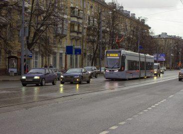 На улице Свободы реконструируют трамвайные пути
