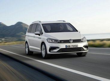 Новый VW Touran получит самый просторный багажник в своем классе