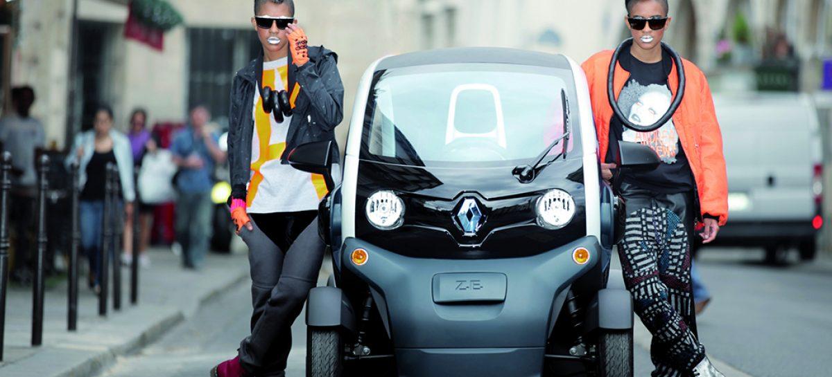 В Европе Renault Twizy теперь можно водить с 14 лет