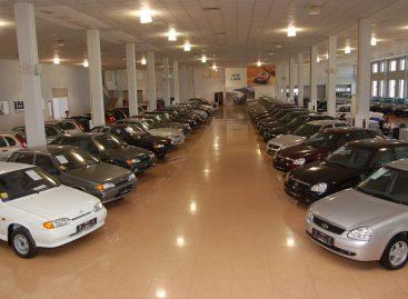 Продажи АвтоВАЗа в феврале сократились почти на четверть