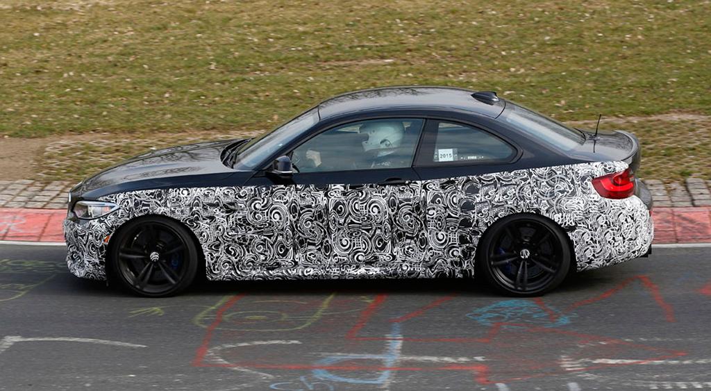 BMW M2 купе (шпионский снимок)