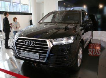 Audi Q7 2015 — рулит всеми четырьмя