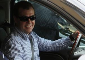 Медведев за рулем