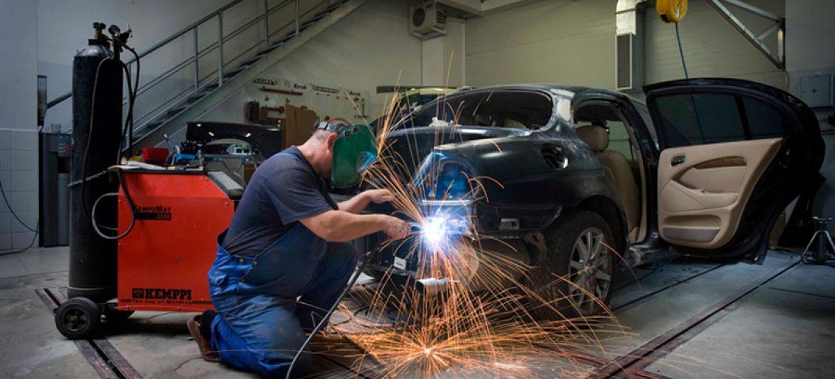 После трех лет эксплуатации иномарки автовладельцы уходят от официальных дилеров