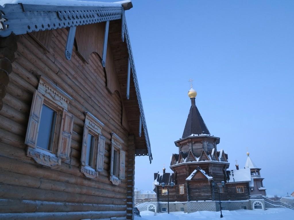 Свято-Богоявленский храм, один из двух храмов в НАО