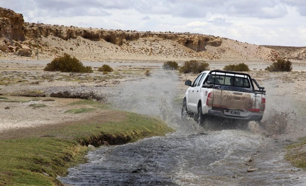 Водные процедуры для Toyota Hilux