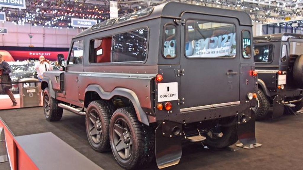 концепт Flying Huntsman на базе Defender 110