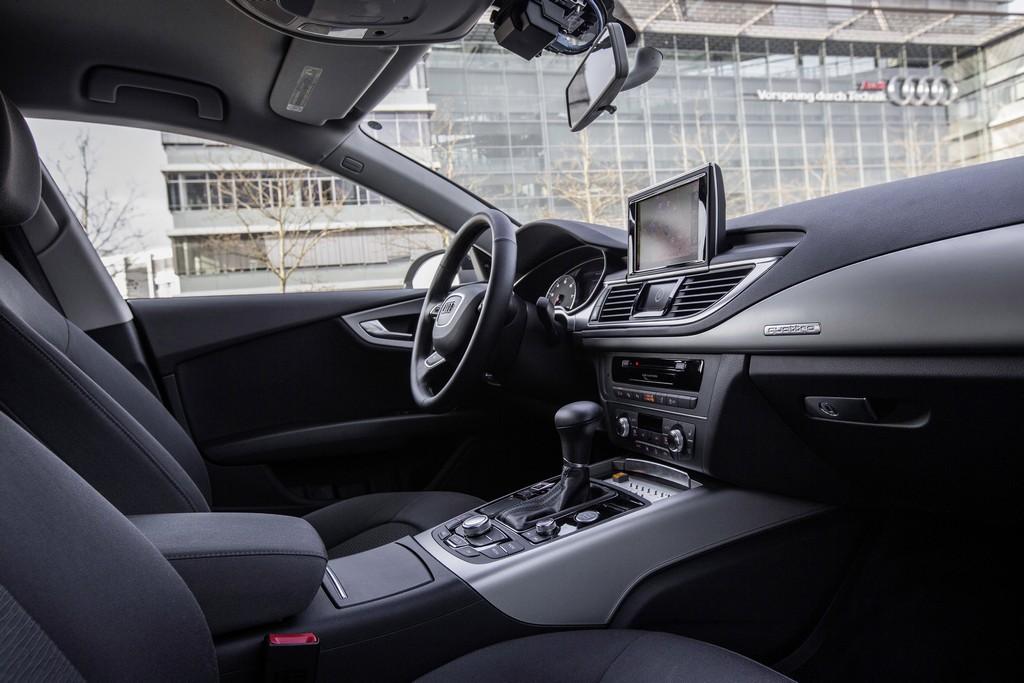 Китай к 2018 году создаст единые стандарты для беспилотных автомобилей