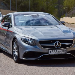 Mercedes-Benz S63 AMG Coupe 4 Matic