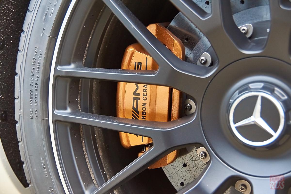 Композитные тормозные диски AMG (уже после обработки их В. Петровым)