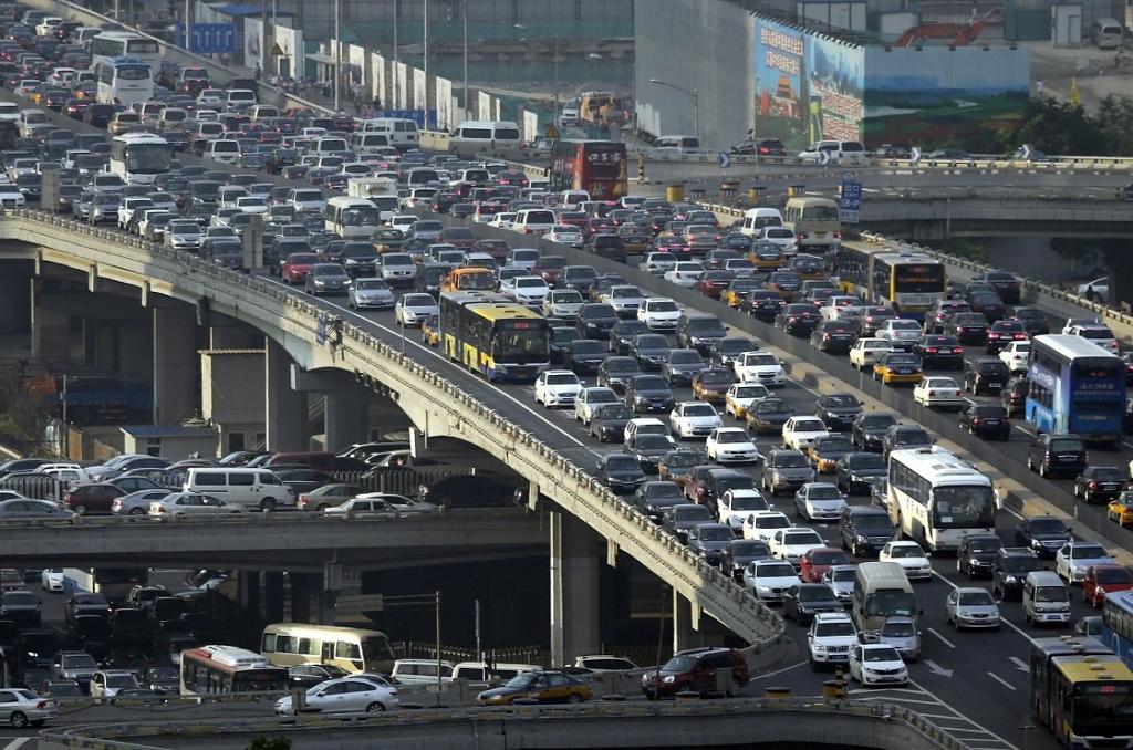 Опасное вождение и поведение водителя на дороге