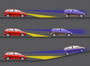 Opel придумал фары, светящие туда, куда смотрит водитель