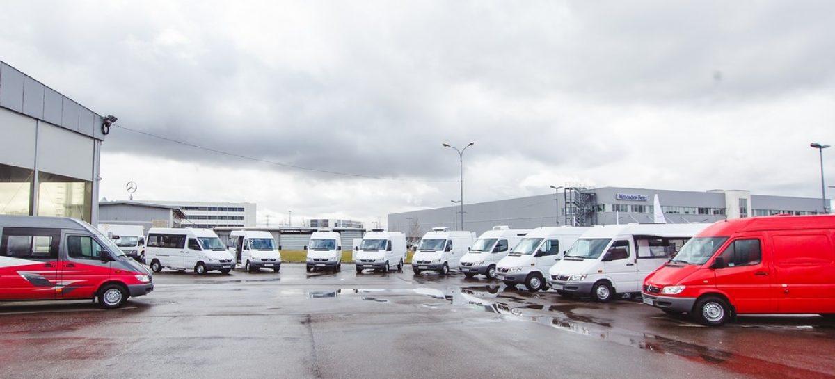 Партнеры Mercedes представили автолавку на базе Sprinter