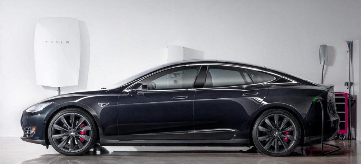 Tesla разработала аккумулятор, питаемый от солнца