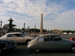 На площади Согласия к радости парижан и гостей столицы съехались 600 DS из разных стран