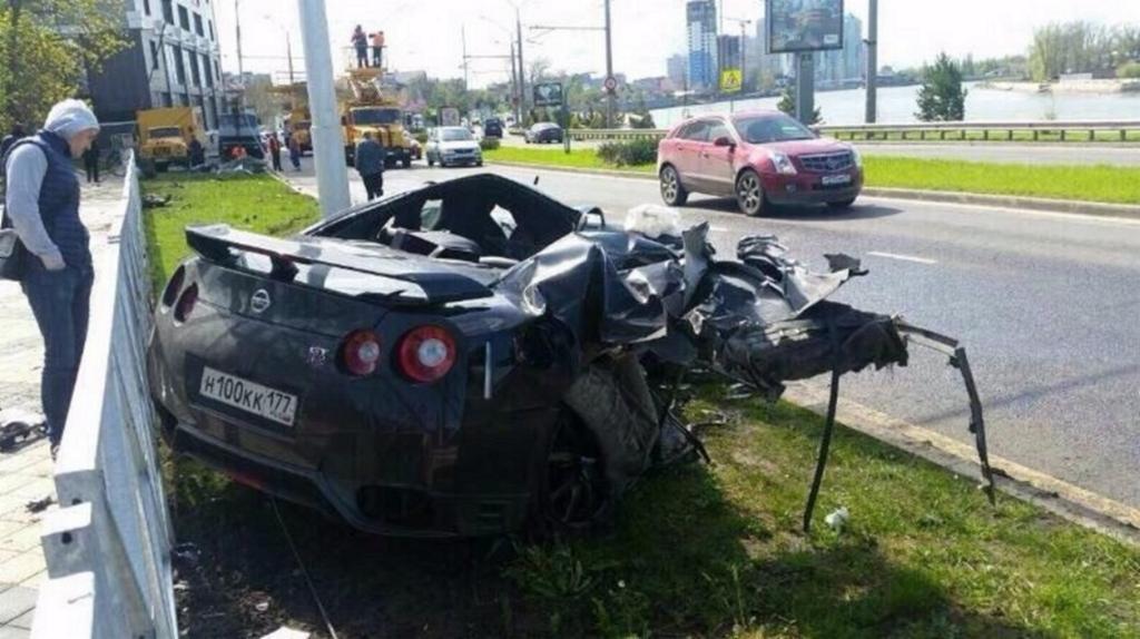 Nissan GT-R футболиста Ещенко после ДТП