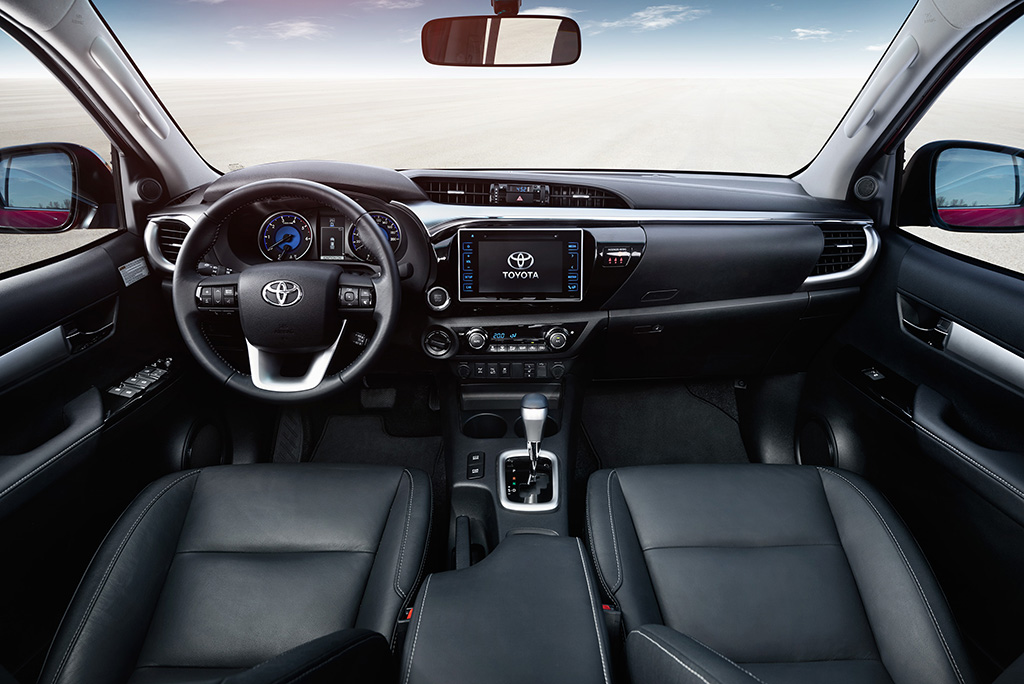 Салон Toyota Hilux 2015
