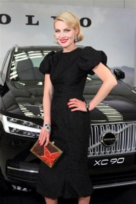 Volvo XC90 2015 подарили Ренате Литвиновой