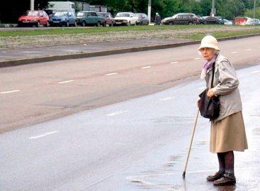 Бабушки часто игнорируют переходы