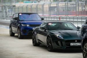 Jaguar F-Type и Range Rover Sport SVR