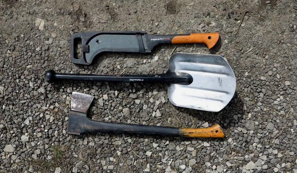 Лопата, топор и мачете Fiskars