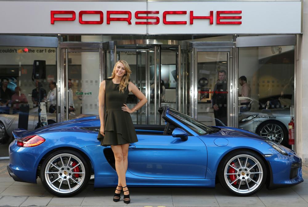 Мария Шарапова и новый Porsche Boxter Spyder