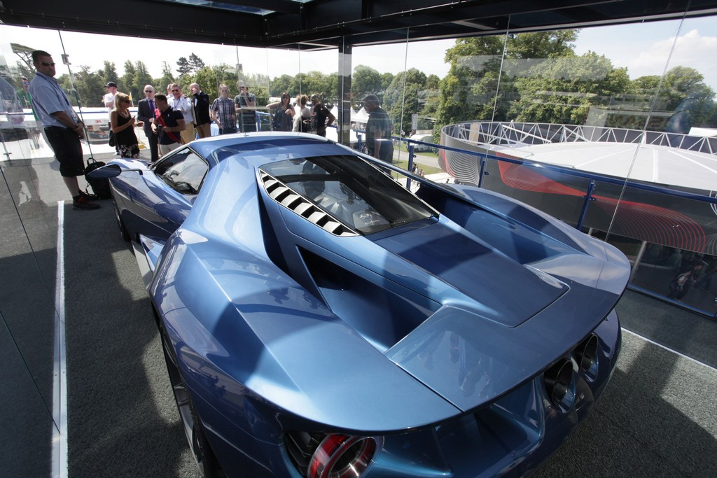 Суперкар Ford GT в Гудвуде