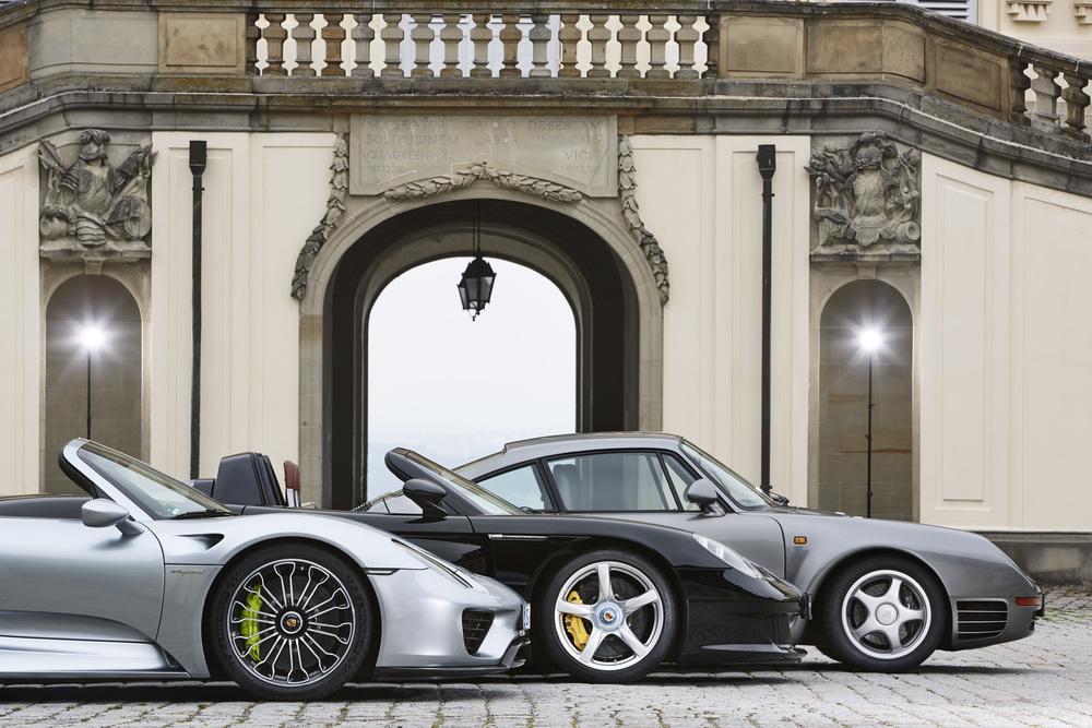 Три суперспортивных кара Porsche - 918 Spyder, Carrera GT и 959
