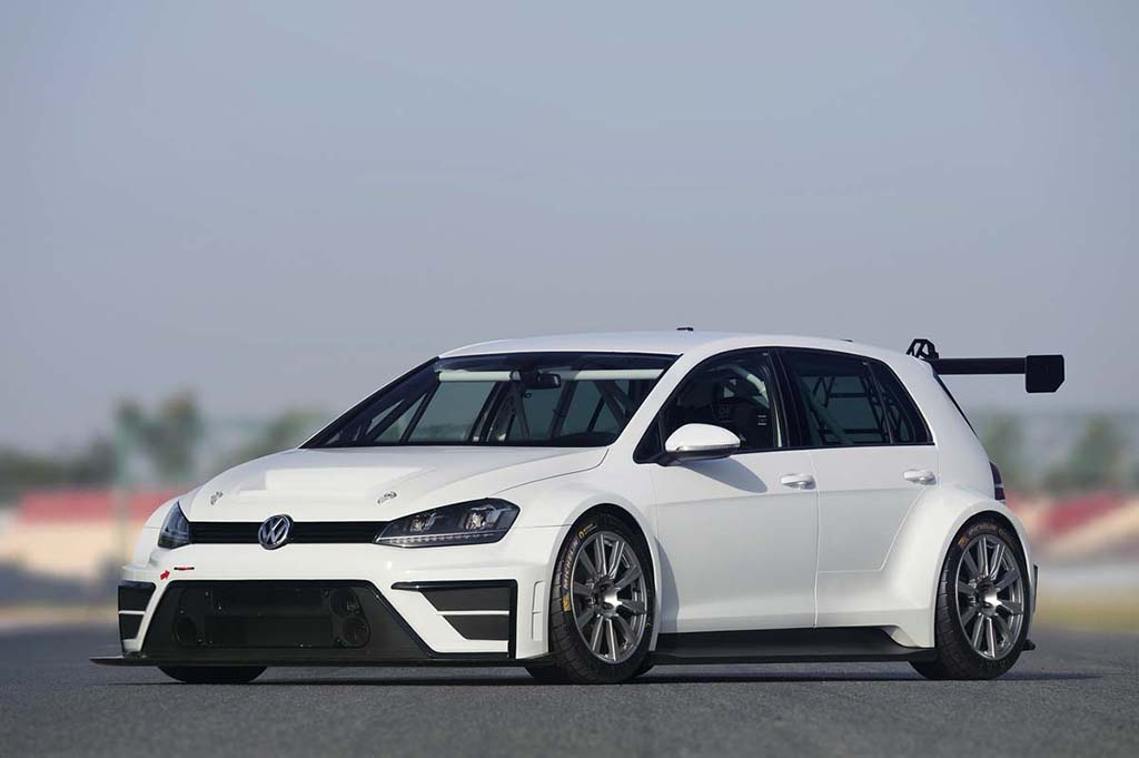 Гоночный Volkswagen Golf TCR