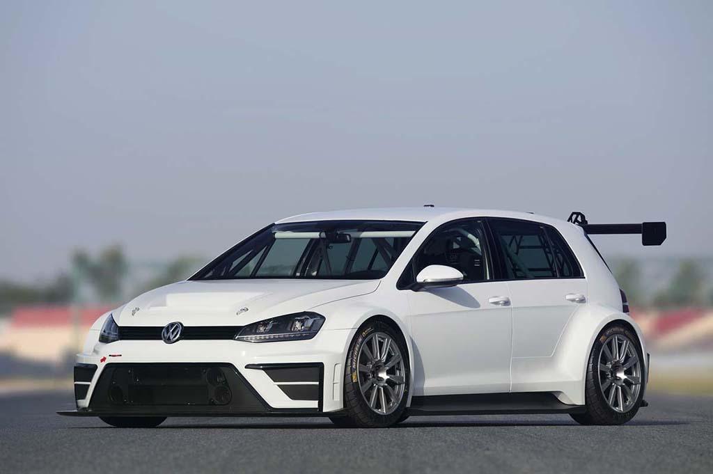 Гоночный Volkswagen Golf TCR