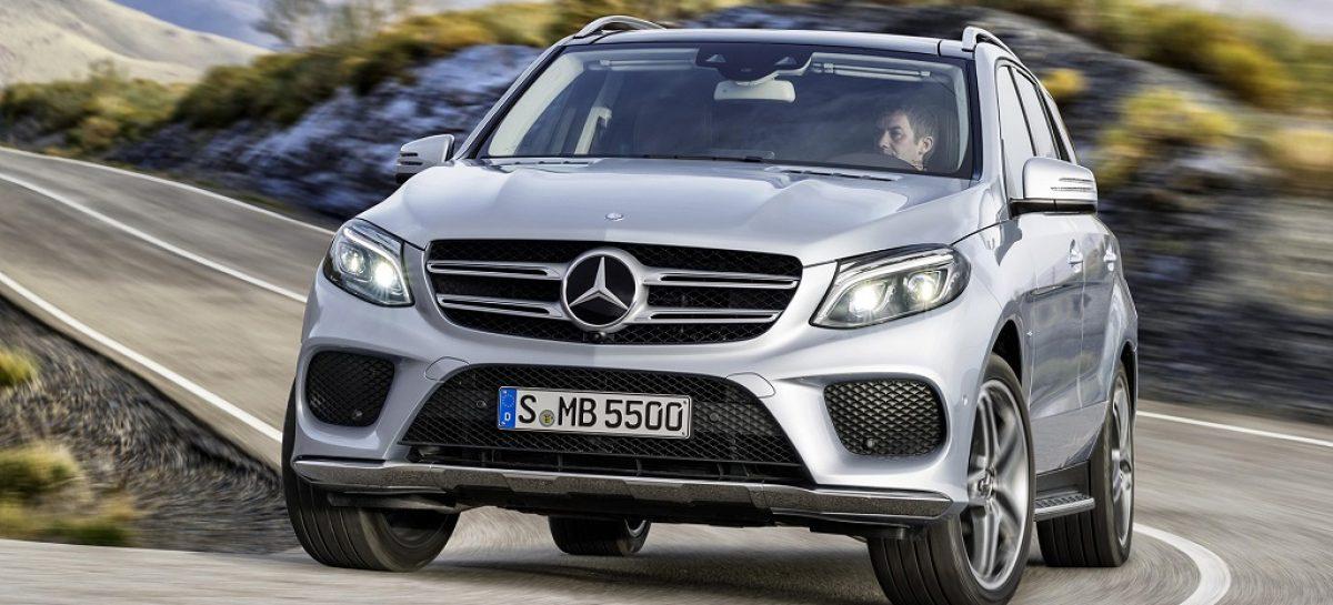 Продажи автомобилей в России упали на 29,7%