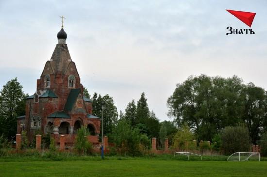 Церковь Серафима Саровского в Федино находится в плачевном состоянии. Её якобы реставрируют вот уже более 10 лет...